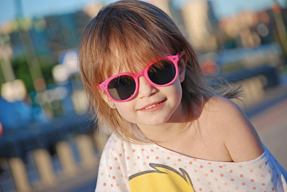 A importância do uso de óculos de sol na infância   Atlas da Saúde 44a7e6ba28