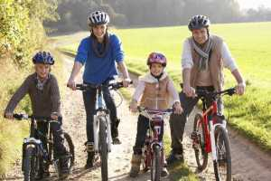 Exercício físico mulheres crianças idosos
