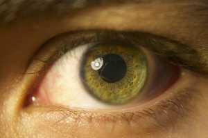 Olho de cor verde